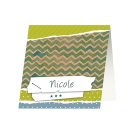 Tafelkaartje passend bij de uitnodiging op kraftpapier met stippen