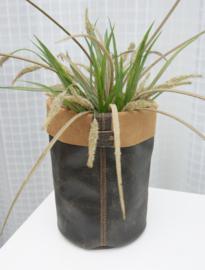 Vase cover van leer