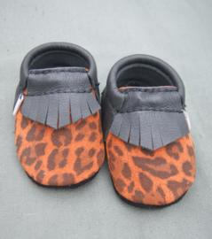 uQies leren slofje zwart/ oranje luipaard