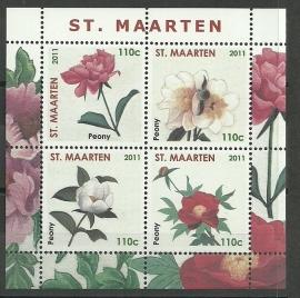 Sint Maarten   9 Blok met Bloemen Postfris