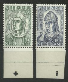 Nvph 323/324 Willibrordus Postfris met Knip (1)