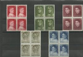 Nvph 702/706 Kinderzegels 1957 in Blokken Postfris