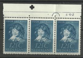 Nvph 304 12½ ct Kinderzegel 1937 Postfris in strip met Etsingnummer & Pons