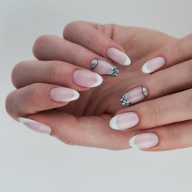 Semilac inspiratie; French maicure