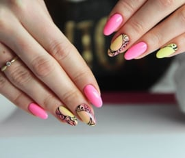 Semilac inspiratie; Banana Pink