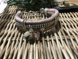 Handgemaakt armbandje Bruin/beige/roze XS