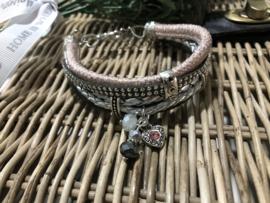 Handgemaakt armbandje grijs/zilver/roze L