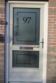 Etched glass raamfolie met naam en huisnummer 4