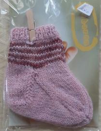 Roze baby sokjes met glinsterdraadje handgebreid