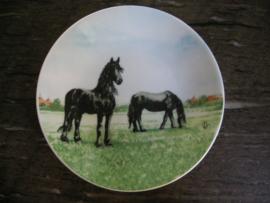 Petit Four  schaaltje Friese paard