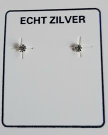 Zilveren zirkonia knopjes 2 mm in goede zetting