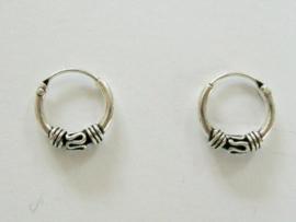 Bewerkte oorringetjes zilver 10 mm doorsnee