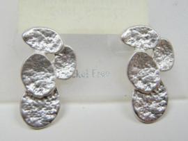 Zilverkleurige oorstekertjes