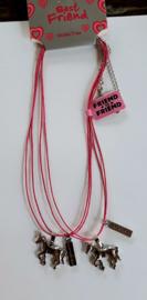 Best Friends paardenhangers met roze veter kettingen