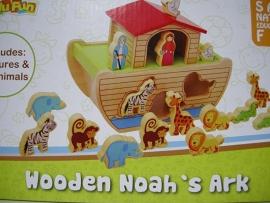 Houten Ark van Noach met dieren en figuren