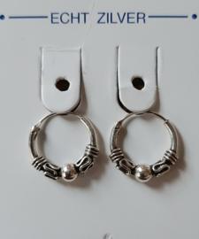 Zilveren bewerkte ooringen 12 mm doorsnee