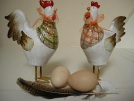 Haan en kip set op metalen pootjes klein