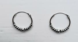 Zilveren oorringen 16 mm doorsnee..