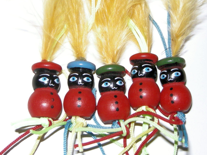 Houten Pietjes met lusje voor decoratie
