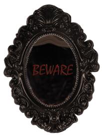 Halloween beware spiegel