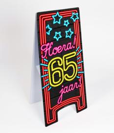 Waarschuwings bord Neon 65 jaar