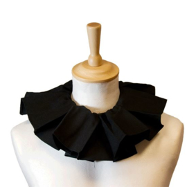 Pietenkraag zwart