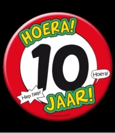 Button XL 10 jaar