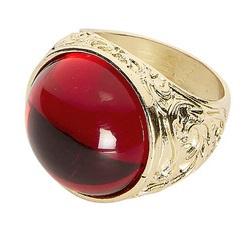 Gouden ring met rode steen edelman