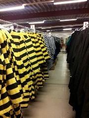 Ook gevangenispakken als verkleedkleding op voorraad