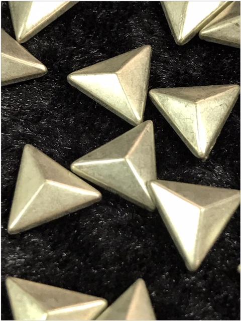Hot Fix Nailhead Driehoek Silver 10mm Zakje 20 gram