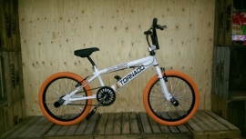 NIEUWE FREESTYLER!!! BMX Freestyle / Crossfiets BUGATTI TORNADO WIT / ORANJE 20 INCH LIMITED EDITION