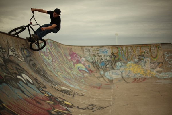 sean-tiffin-bmxfu-brad-hill-niagara-falls-skatepark-bmx.jpg