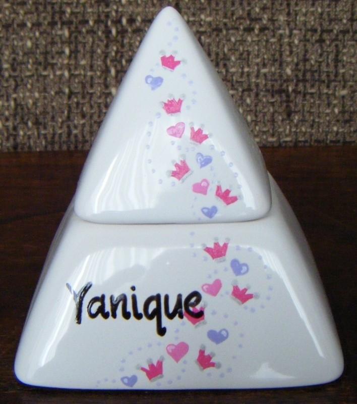 Tandendoosje Yanique