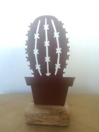 Bolcactus van metaal op houten voetje