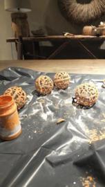Plastic kerstballen  in roesteffect - Annie Sloan 3 kleuren krijtverf