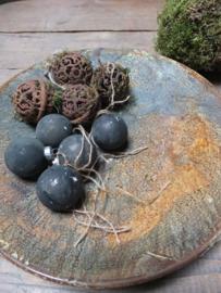Kerstballen - kleur Graphite met Olive