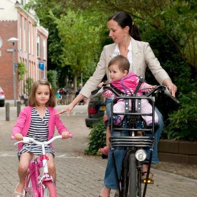 moeder-op-fiets.jpg