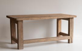 Laag houten bankje / bijzettafeltje