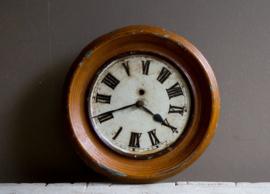 Decoratieve oude klok van metaal
