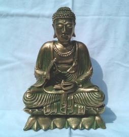 Boeddha op Lotus, beeld van polystone ca. 23cm hoog