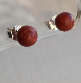 Koraal rood oorknopjes, echt zilver en 6 mm edelsteen