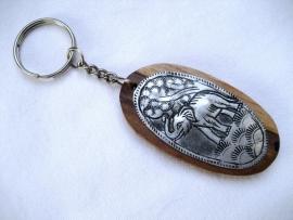 Sleutelhanger heilige Olifant, hout met metaalcarving
