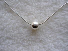 Zilveren Pandorakraal glad, 9 mm aan snake ketting 41 of 45 cm