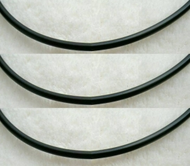 Veter - rubber, 5 mm dik, diverse lengtes - zilveren sluiting