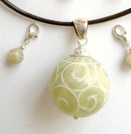Vruchtbaarheidsbol (Jade) met/zonder bijhorende Charms (Geboortebedankjes)