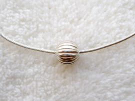 Zilveren Pandorakraal ribbel, 9mm aan zilveren snake ketting 41 of 45 cm