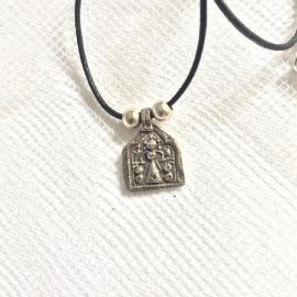 Amulet aan veter,  Abstracte Boeddha, Geluksbrenger