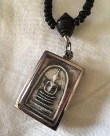Populair Boedha amulet Phra Somdej aan kralenketting