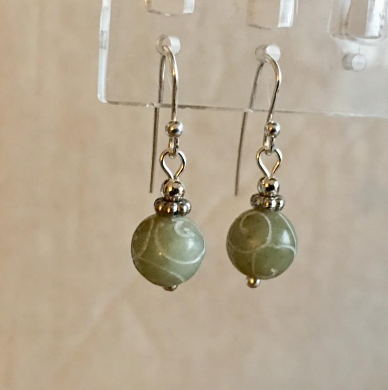 Jade oorbellen verzilverd