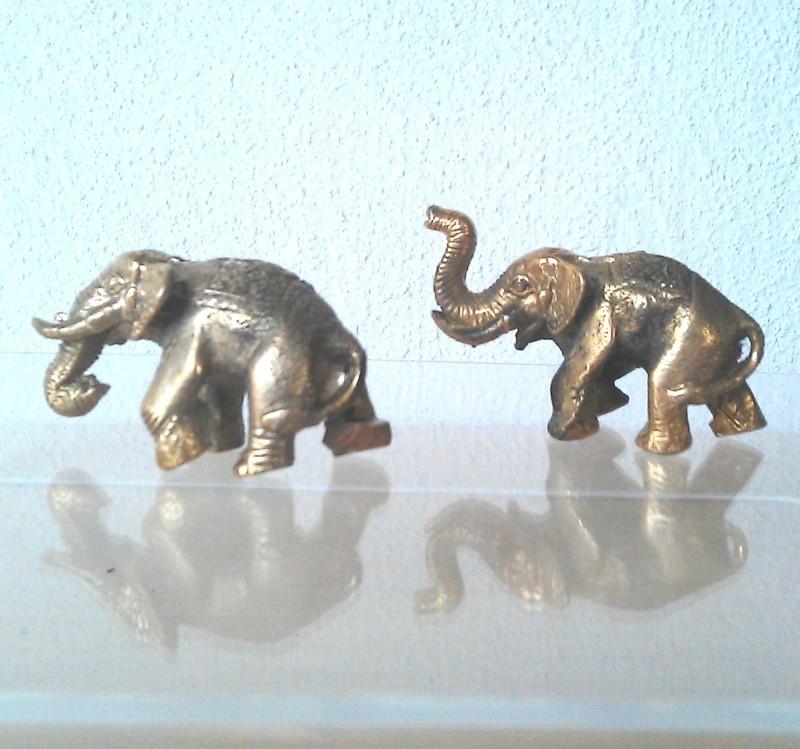 Heilige olifant, messing ca 2,5 x 3,5cm -